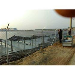 公路隔离护栏网-腾佰丝网厂家-公路隔离护栏网多少钱图片