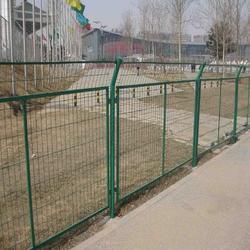 河边围栏铁丝网多钱-尚景河边围栏铁丝网-河边围栏铁丝网图片