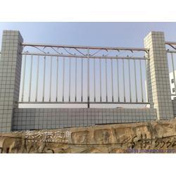 万强钢结构工程有限公司供应玻璃杆栏杆图片