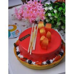 生日蛋糕加盟连锁,烤富烘焙(在线咨询),宿迁蛋糕加盟图片