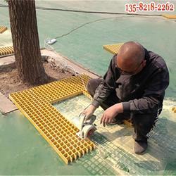网格护树板,黄色玻璃钢格栅树篦子材质图片