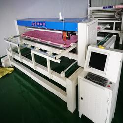 高效省时的绗缝机 夏凉被缝制花型的被子机 电脑绗缝机能做到多宽图片