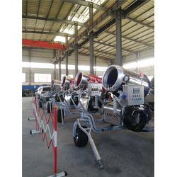 造雪机大小型号选择 室外滑雪场造雪机台数图片