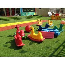 成都幼儿园仿真草坪供应信息图片