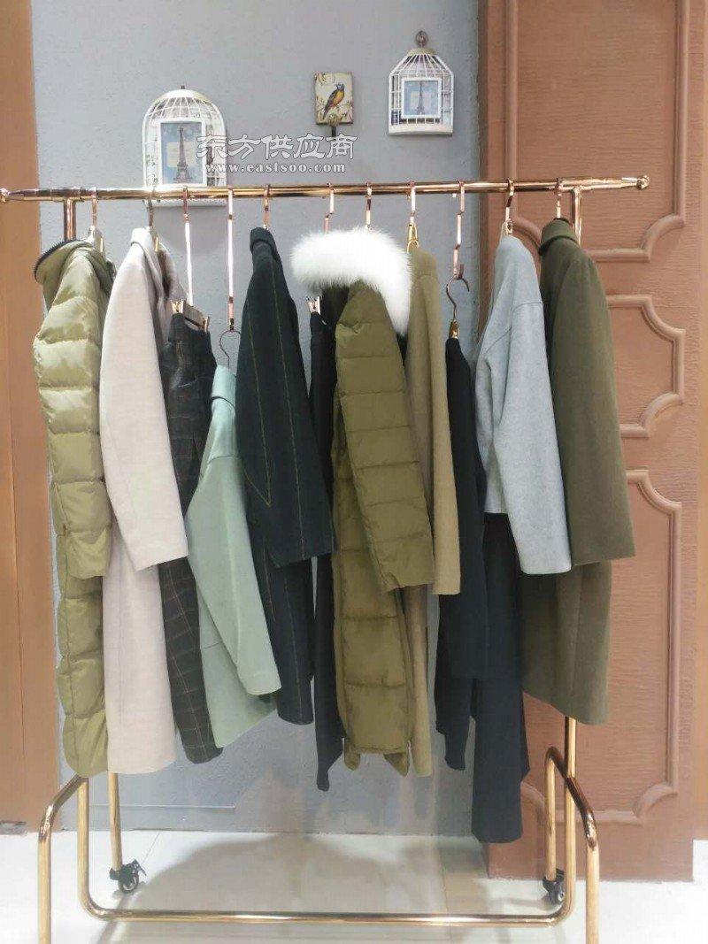 吉丘古儿冬装品牌女装尾货折扣商场专柜图片