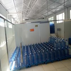 桶装水加盟店、奇秀泉山泉水桶装水(在线咨询)、桶装水图片