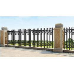 安装护栏-荣刚铜门-道路安装护栏图片