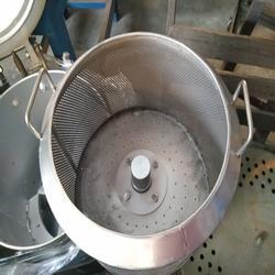 供应小型脱油机 35kg螺丝脱油机图片