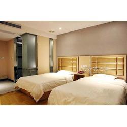 连锁酒店客房家具定制,酒店客房床,床头及床头背景,电视柜及电视背景,木饰面,护墙板图片