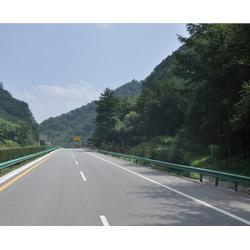 高速路波形护栏工程、安徽旭发波形护栏、池州波形护栏图片