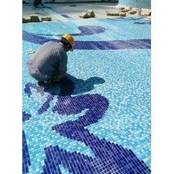 现货陶瓷马赛克 拼图马赛克游泳池砖图片