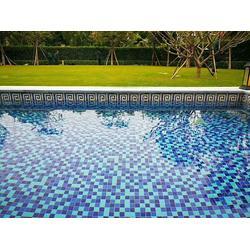 专业生产泳池拼图马赛克 陶瓷游泳池砖图片
