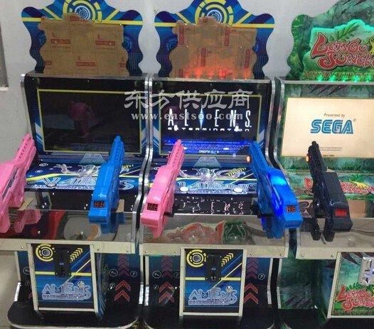 大型电玩设备枪机游戏机图片