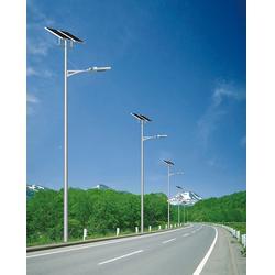 10米太阳能路灯、太阳能路灯、祥霖照明农村亮化建设图片