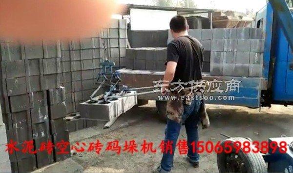 空心砖装车机码砖机生产图片