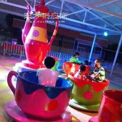 公园旋转咖啡杯图片