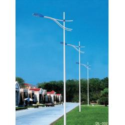 太阳能路灯杆节能环保,安装方便,成为路灯的主流趋势图片