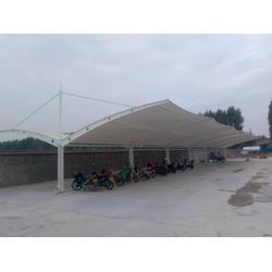 膜结构】钢结构、阳光板等公共停车棚生产安装厂家图片