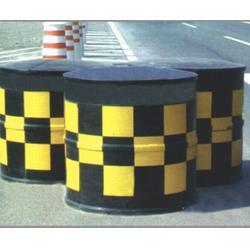 金昌防撞桶|济南和畅质量可靠|塑料防撞桶图片