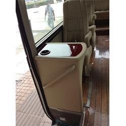 房车改装哪家好、滨州房车改装、爱旅房车图片