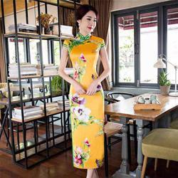婚纱礼服订制店、本嚓演出服(在线咨询)、义乌礼服图片