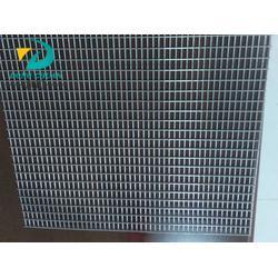 冷镀锌电焊网寿命,东川丝网(在线咨询),冷镀锌电焊网图片