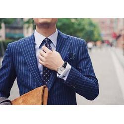 云南西服定做、总章服饰私人定制、云南西服专业定做图片