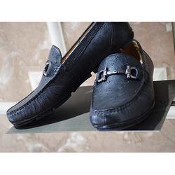 个旧皮鞋-总章服饰私人定制-个旧皮鞋厂家直销