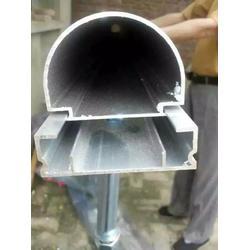 铝合金道牙_塑胶跑道铝合金道牙厂家_铝合金道牙生产厂家价格
