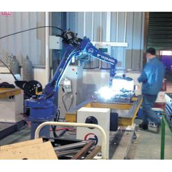 机器人焊接|华亭智能机器人|农机配件机器人焊接图片