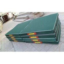 绥化背越式跳高垫_体操保护垫_生产背越式跳高垫图片