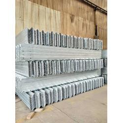 波形护栏板厂家质优价廉 品质保障波形梁钢护栏板图片