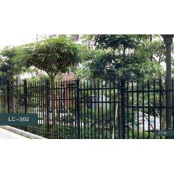 专业安装护栏-乐辰建材(在线咨询)荆州护栏图片