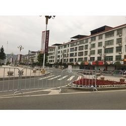 厦门铁马围栏_福州达远铁马围栏_不锈钢铁马围栏图片