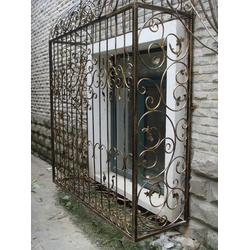茂名雕刻窗花、华雅铝艺好货源抢购、雕刻窗花制作图片