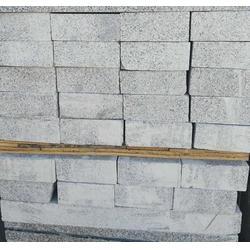 马路路沿石供应商、旺源石业(在线咨询)、山东马路路沿石图片