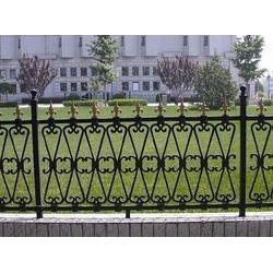 佛山别墅围栏_华雅铝艺高品质服务_别墅围栏安装图片