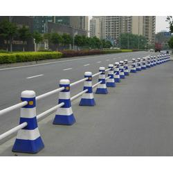 公路护栏厂家-安徽华诺(在线咨询)合肥护栏图片