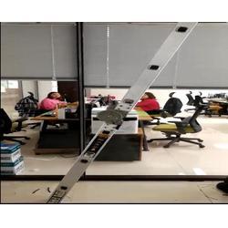 电动百叶玻璃隔断,电动百叶办公隔断,玻璃隔断带百叶图片