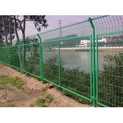 河北宝潭护栏(多图)_双圈护栏网保养_河北双圈护栏网图片