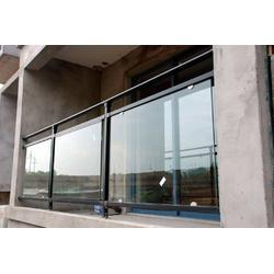 厂家锌钢玻璃阳台栏杆图片
