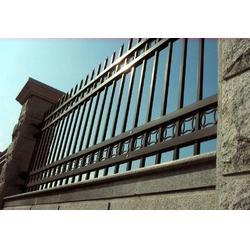 厂区外围栅栏小区锌钢护栏锌钢围栏优价供应图片