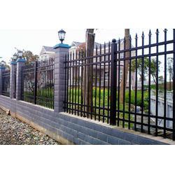 大量优惠供应锌钢栅栏小区围栏锌钢栏杆百叶窗图片