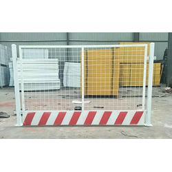 沃和实业(图),基坑护栏网多少钱,南山基坑护栏图片