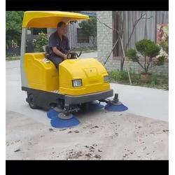 驾驶式扫地车-山东美卓-双鸭山驾驶式扫地车图片