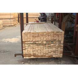 保定辐射松建筑木方、旺源木业(在线咨询)、辐射松建筑木方规格图片