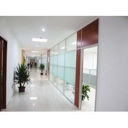 办公室玻璃隔断-亮雅装饰在线咨询-办公室玻璃隔断厚度图片