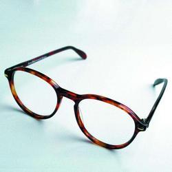 散光|健瞳公司|散光隐形眼图片
