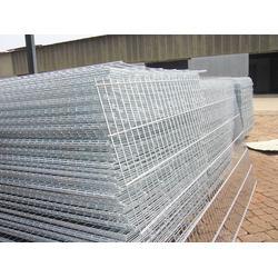 上海镀锌养殖网片-镀锌养殖网片现货-豪日丝网(优质商家)图片