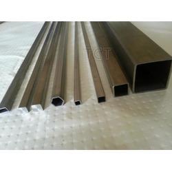 天成泰有色金属有公司L生产加工钛方棒图片